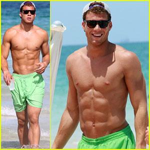 blake-griffin-shirtless-beach.jpg