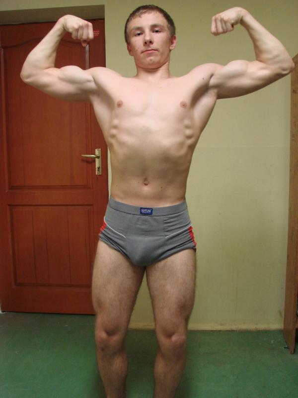 bicepsy przodem.JPG