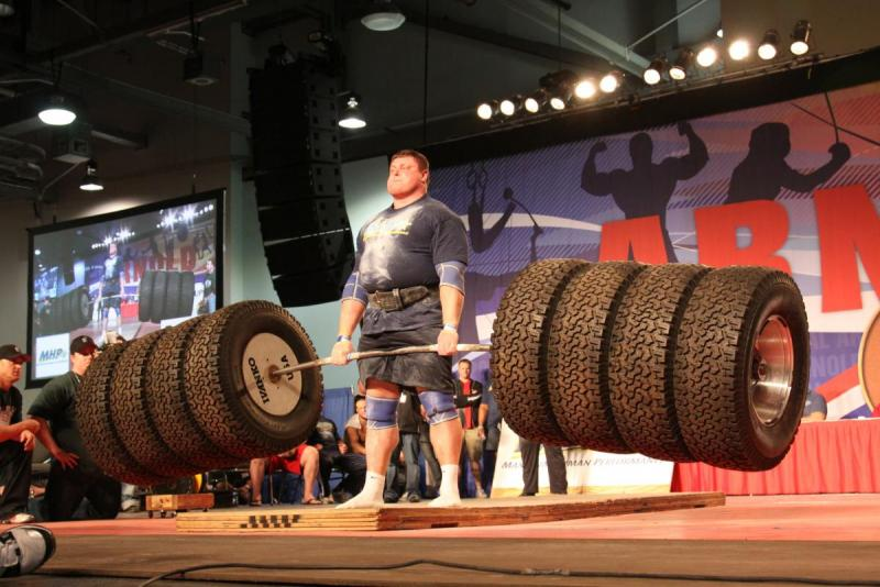 Zydrunas-Savickas-setting-new-world-record-in-the-hummer-tire-deadlift-at-Arnold-Strongman-classic-3-4-11.jpg