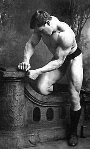George_Hackenschmidt__1878_1968__rok_1900.jpg