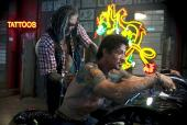 mickey_rourke_tattoo_artist_sylvester_stallone_the_expendables_2010.jpg